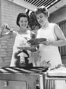 Alpha Chi Omega members barbecue, May 25, 1966. Photo by George Brich, Valley Times.