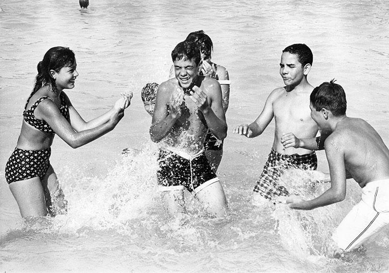 00119601 -- Teenagers 1963