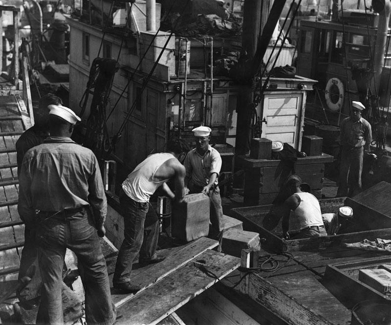 Coast Guard unloading contraband liquor