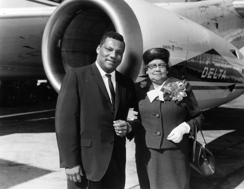 rolland curtis with mother