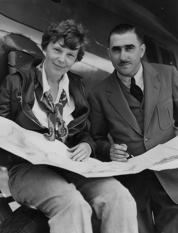 amelia earhart with paul mantz