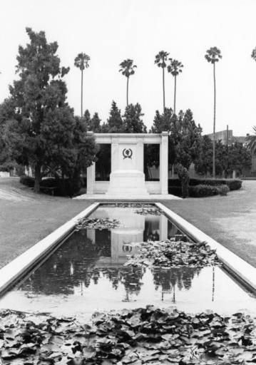 douglas fairbanks sr. tomb at hollywood forever